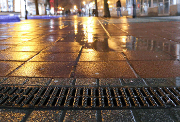 Square linear drainage channel-how to drain for the leisure square's drainage channel cover?